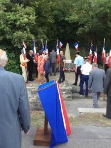 Commémoration du 10 juin 1944 à la stèle du souvenir à Taraïn